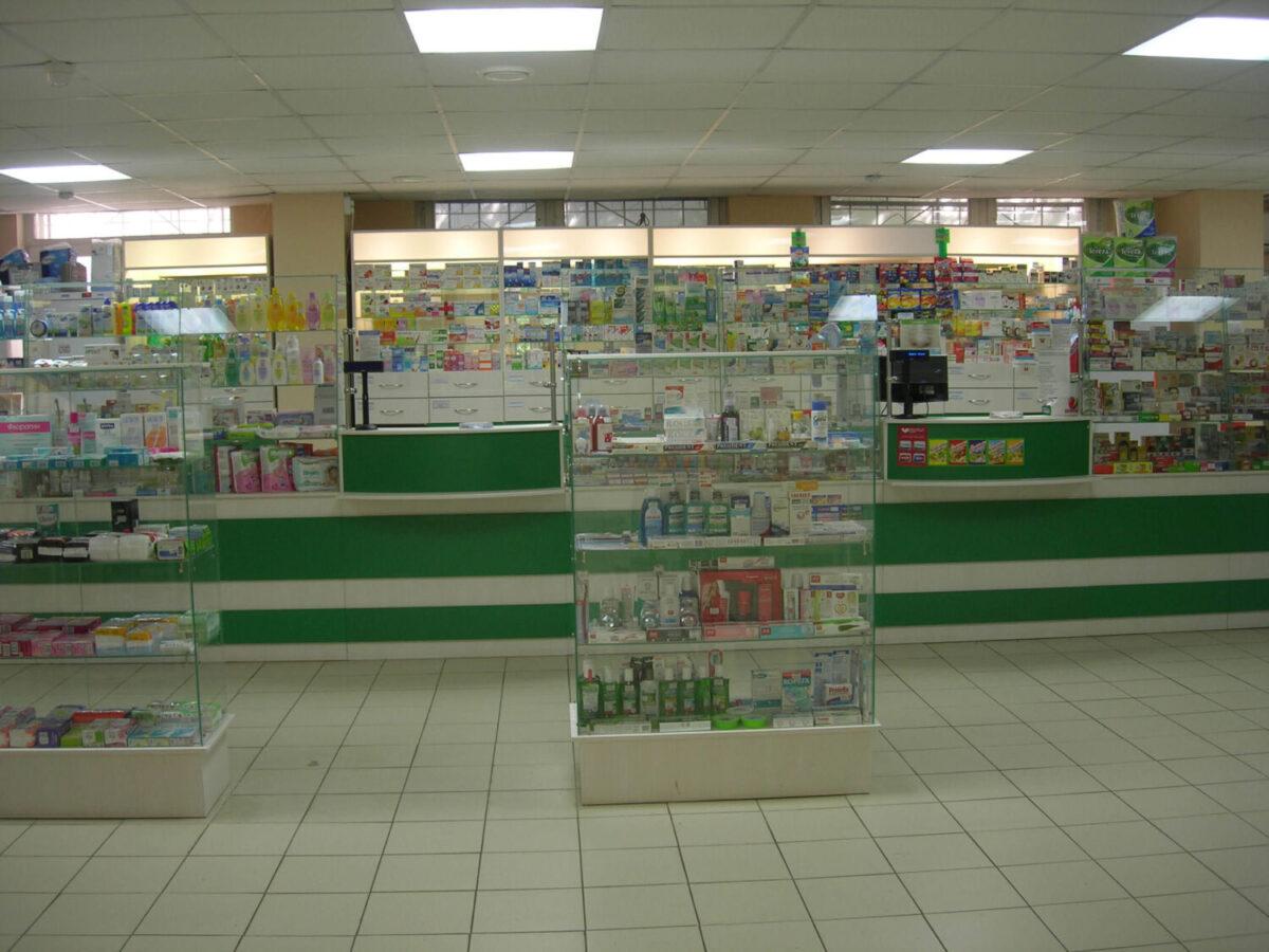 Торговая мебель аптеки с витринами